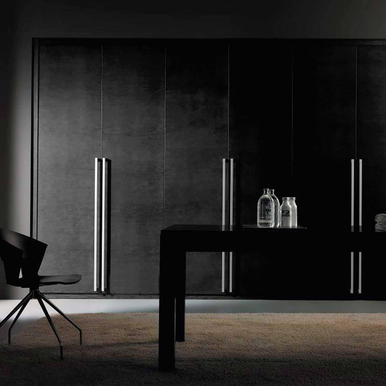 Vestidor puertas abatibles barnizadas en negro