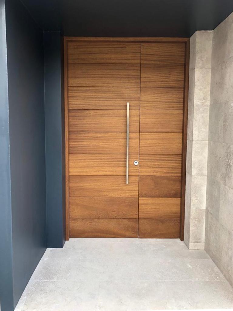Puerta madera roble